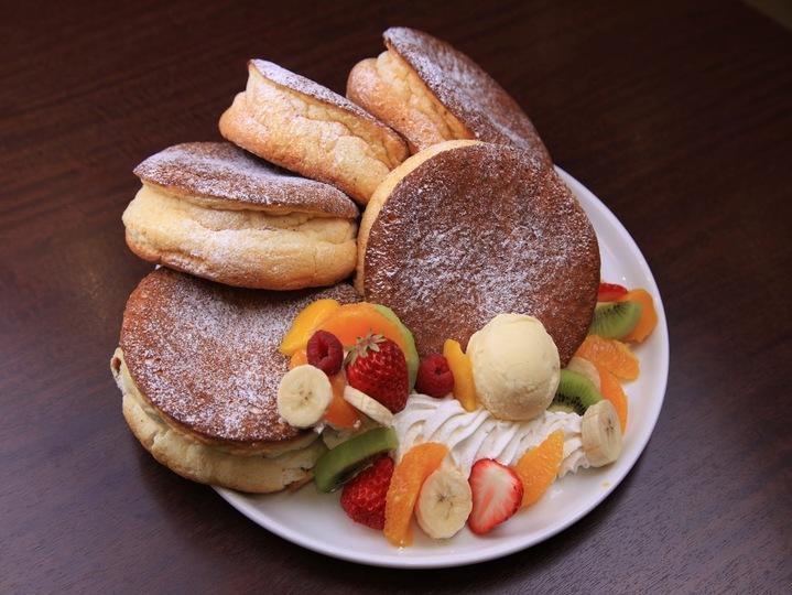 ガチ盛りパンケーキ 発売開始
